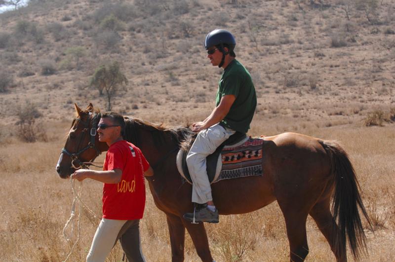 Equitation d'un paraplégique en Tanzanie