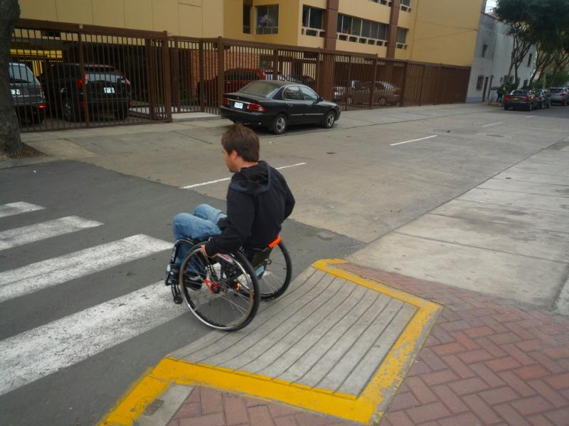 Accessibilité des trottoirs de Lima