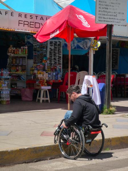 Accessibilité des trottoirs à Puno