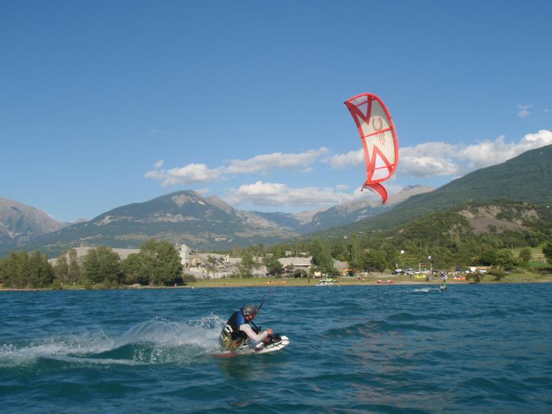 Bastos. Handi-kitesurf
