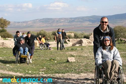 accompagnateurs-fauteuilroulant-visites-tunisie-raid-handisport