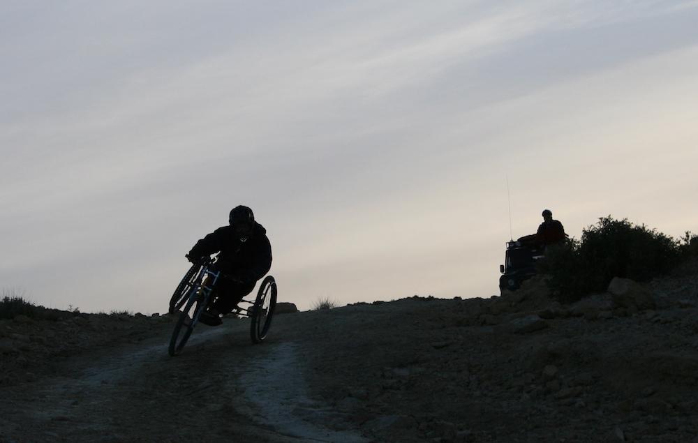 voyage-handicap-tunisie-fauteuil-terrain