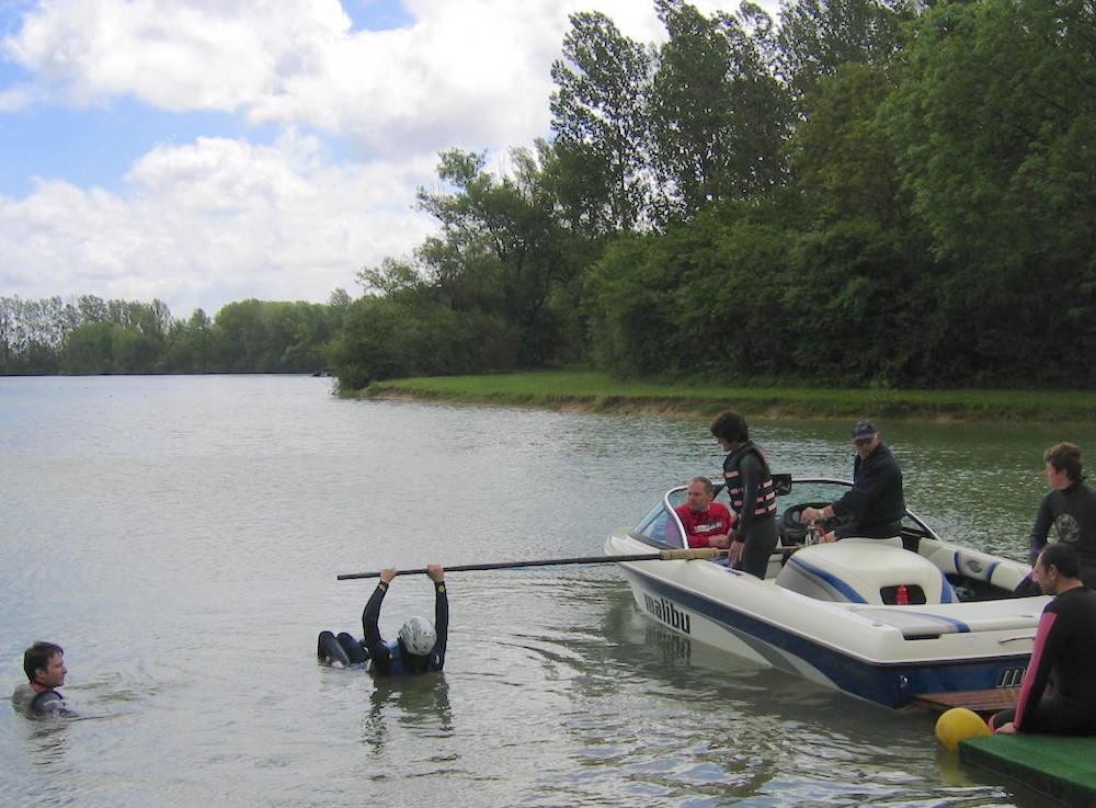 FFSNW-initiation-handiski-nautique-bateau