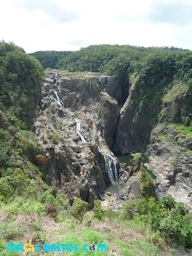 cascade-barron-site-touristique-accessible-cairn