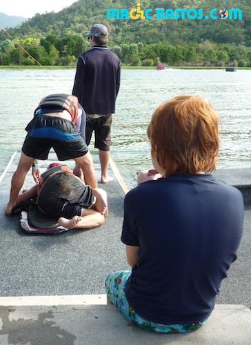 sarah-kneeboard-cairn-wakepark-australie