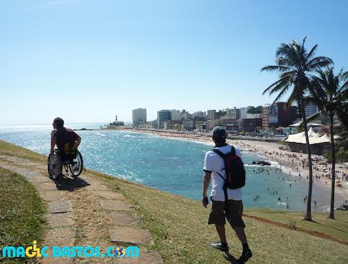 plage-salvador-bresil-wheelchair
