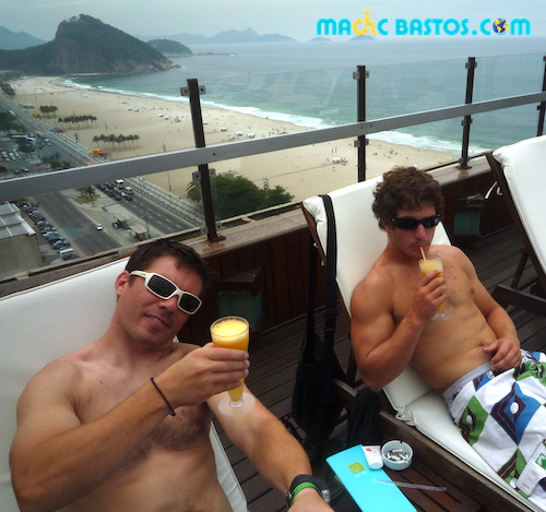 terrasse-piscine-vue-copacabana-plage