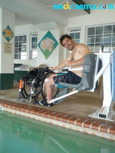 transfere-piscine-paraplegic-hotel-usa