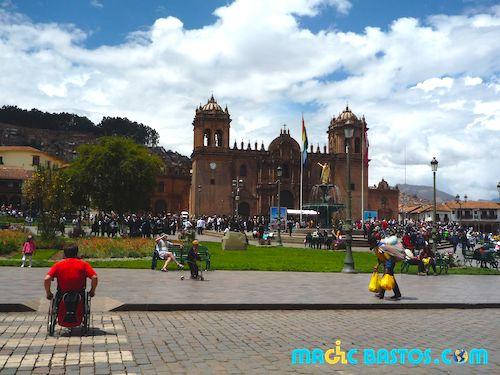 cusco-fauteuilroulant-voyage-tourisme