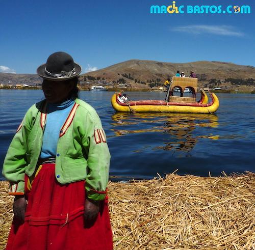 perou-lac-titicaca-ils-flottantes