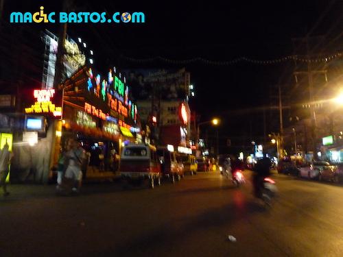phuket-rue-nuit