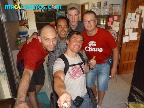 rencontres-couchsurfing-bangkok-bastos-friend