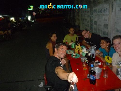 repas-rue-bangkok-friend-travel