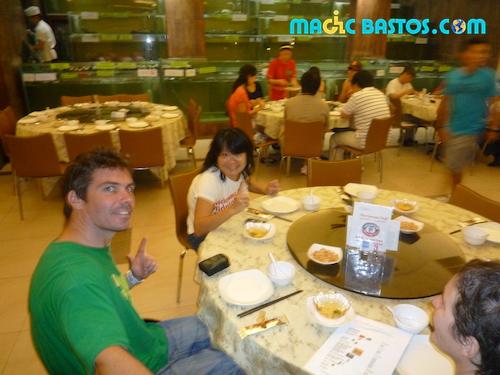 restaurant-fruitdemer-aquarium-singapour
