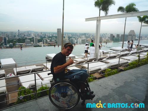 singapour-vue-immeuble-piscine