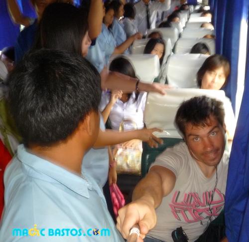 voyage-bus-thai-local