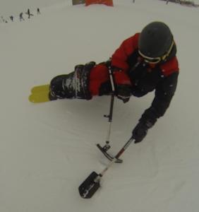 se relever seul en ski assis