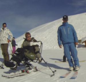 Comment apprendre le ski assis / handiski