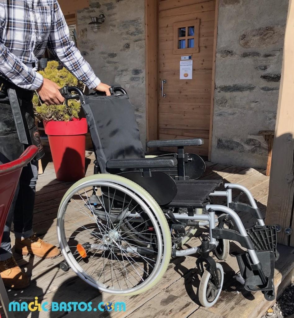 fauteuil-roulant-ski-restaurant