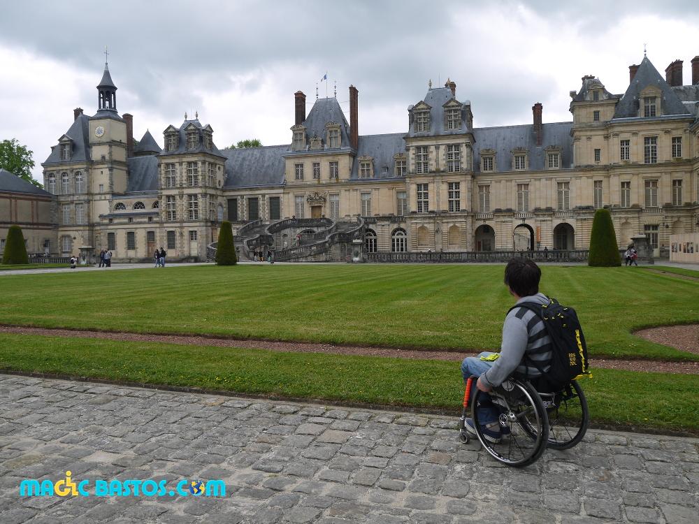 Château Fontainebleau en fauteuil roulant