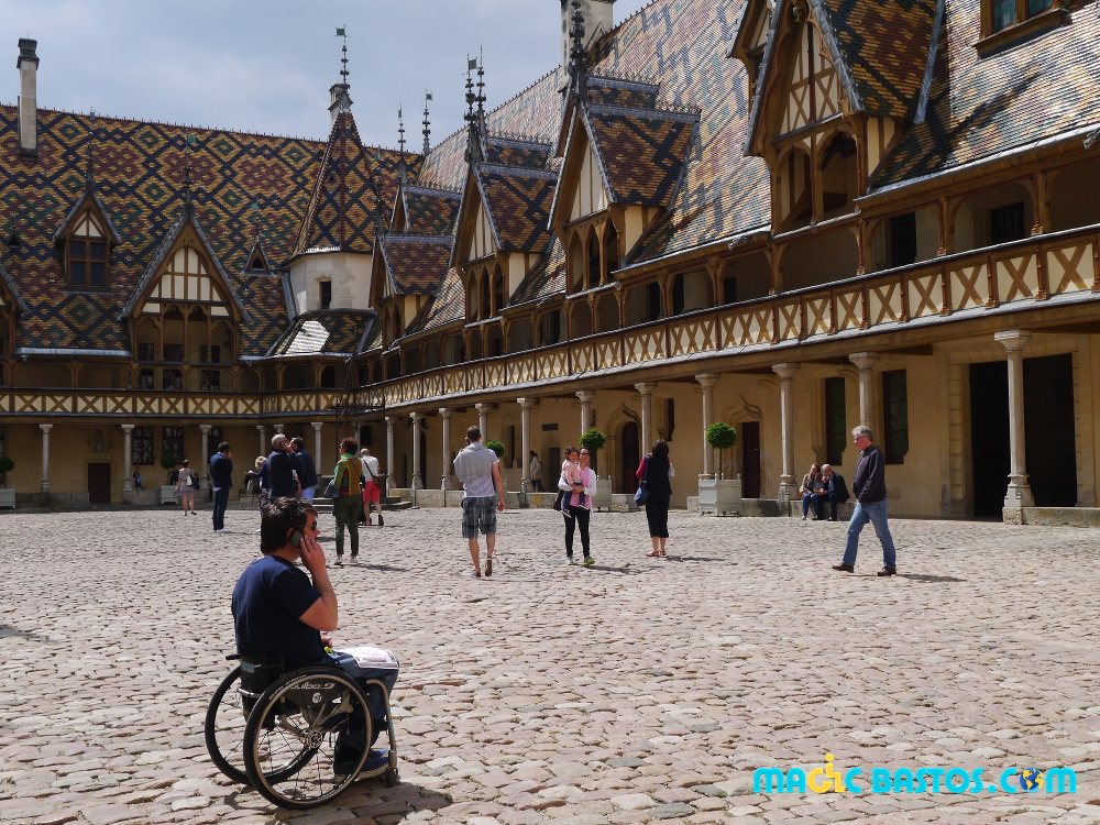 hotel-dieu-musee-handicap-fauteuil-roulant