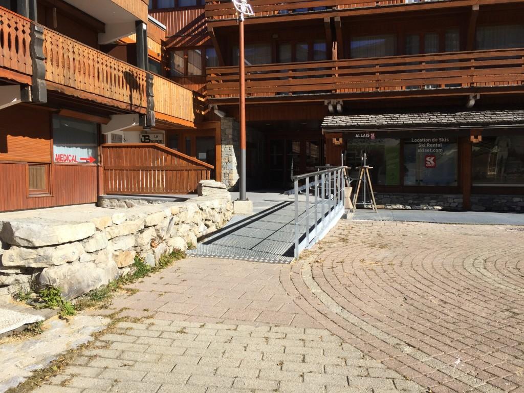 Accessibilit handiski plagne centre magicbastos - La plagne bellecote office du tourisme ...