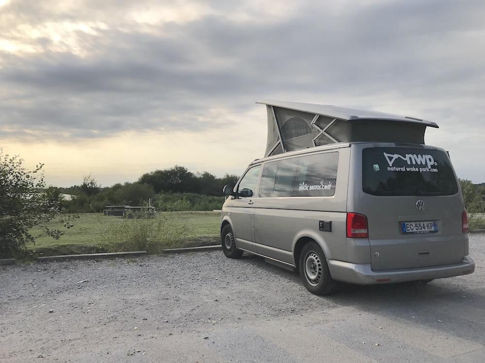 marais-dorx-parking-campingcar