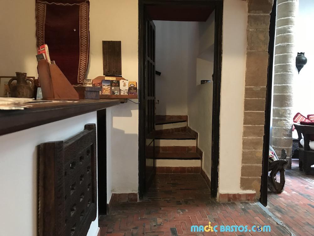 darness-chambre-etage-escalier