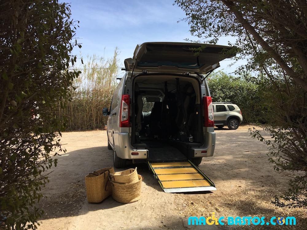 darkenavo-riad-handicap-essaouira-vehicule-adapte