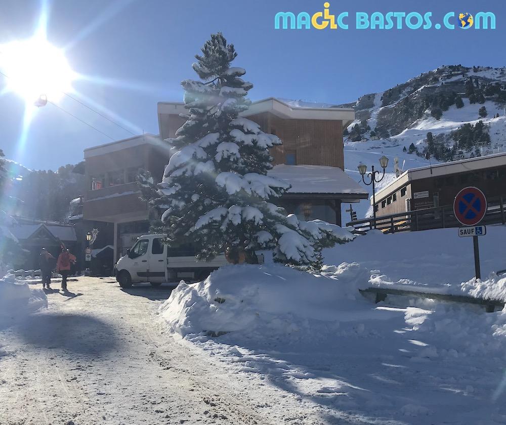 HANDICAP_MERIBEL_STATION_SKI