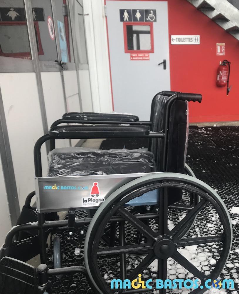 grande-rochette-toilette-fauteuil-roulant