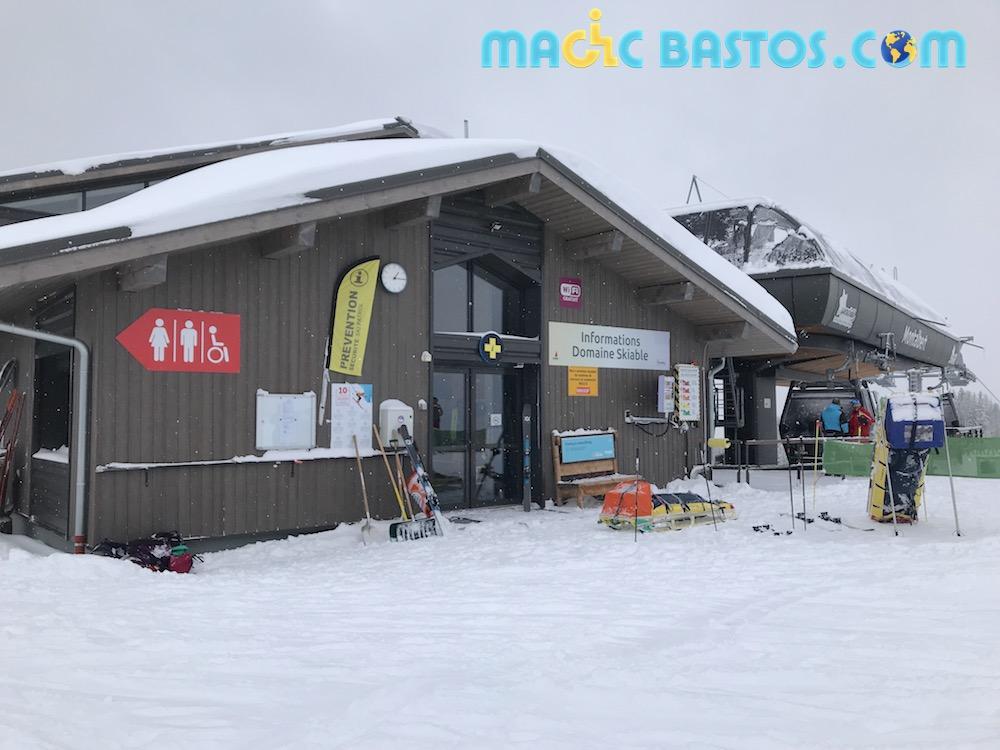 toilette-fauteuil-roulant-accessible-ski