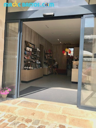 chateau-kerjean-boutique-cafeteria-acces