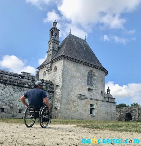 chateau-kerjean-fauteuil-roulant-bretagne