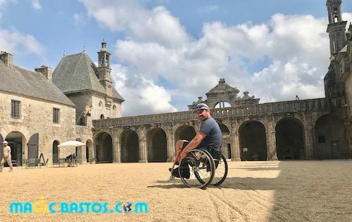place-centrale-chateau-handicap