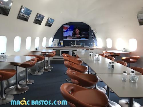 salon-salle-amanger-jumbo-hotel-avion